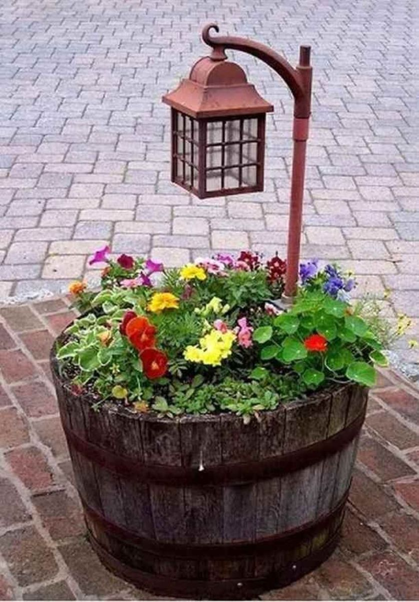 Lovely Flower Beds Design Ideas In Front Of House 17