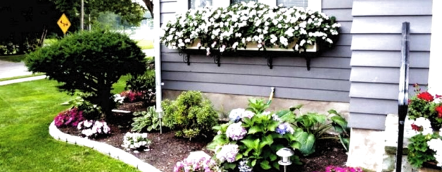 Lovely Flower Beds Design Ideas In Front Of House 22