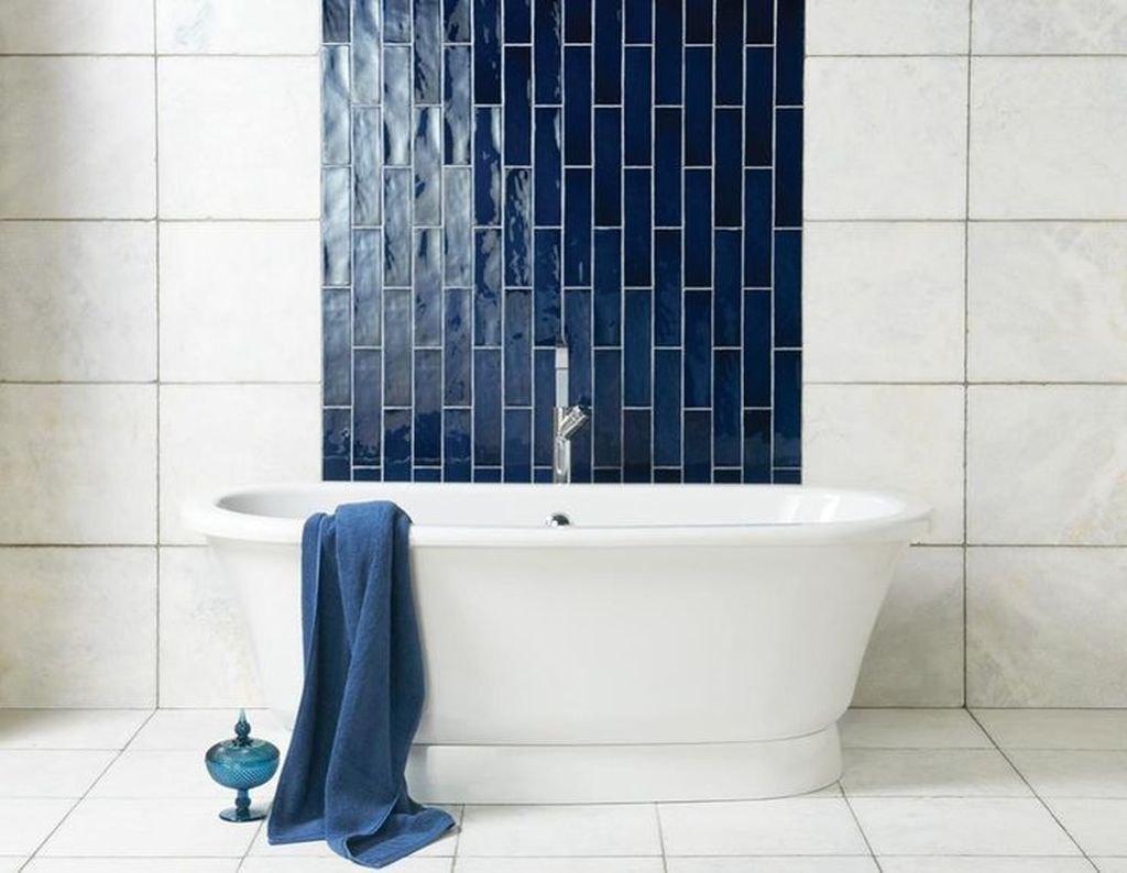 Nice Blue Color Bathroom Decor Ideas 37