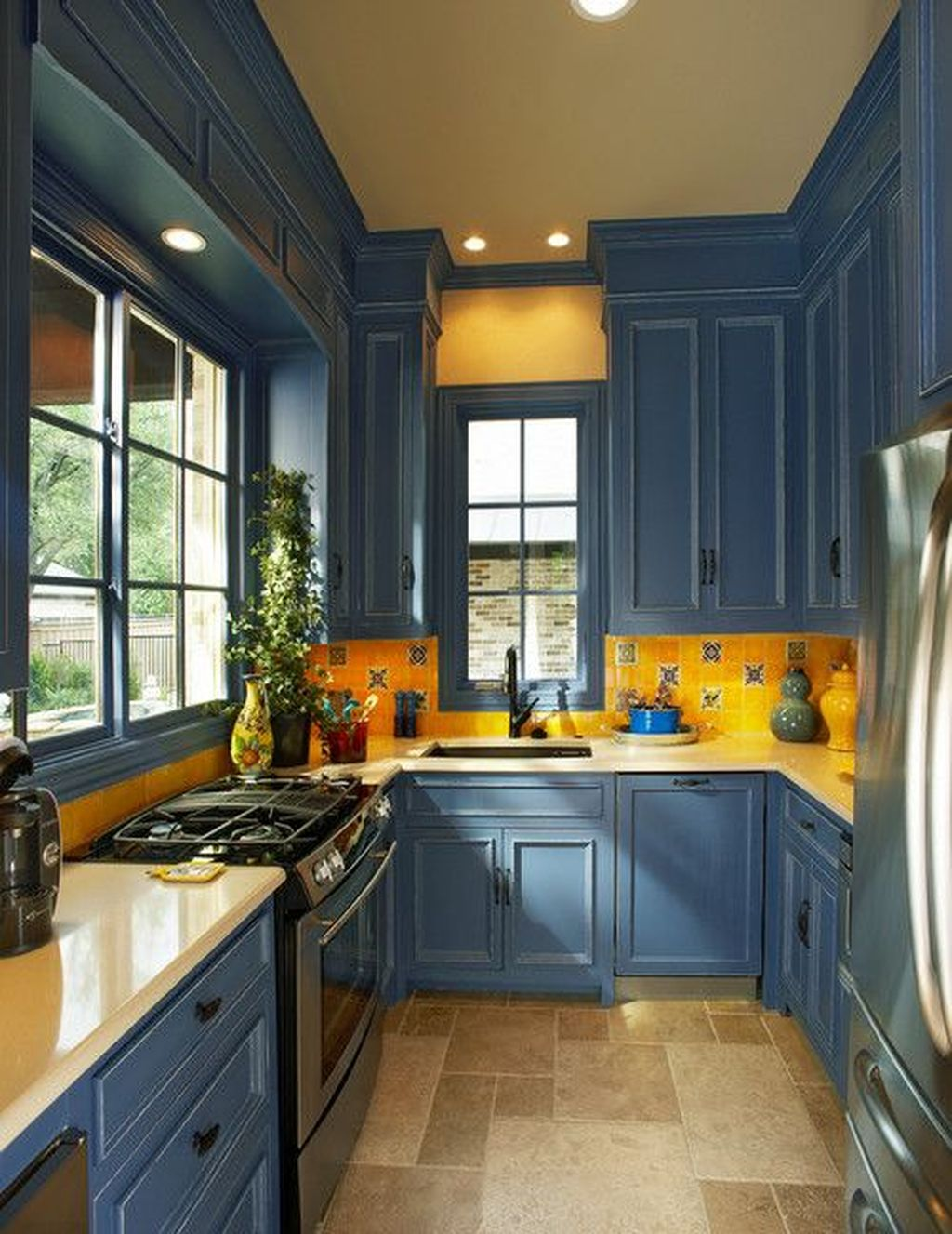 31 Nice Yellow Kitchen Decor Ideas For This Summer ...