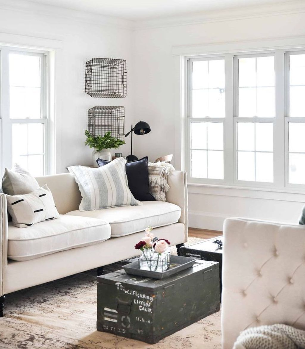 Popular Spring Living Room Decor Ideas 12