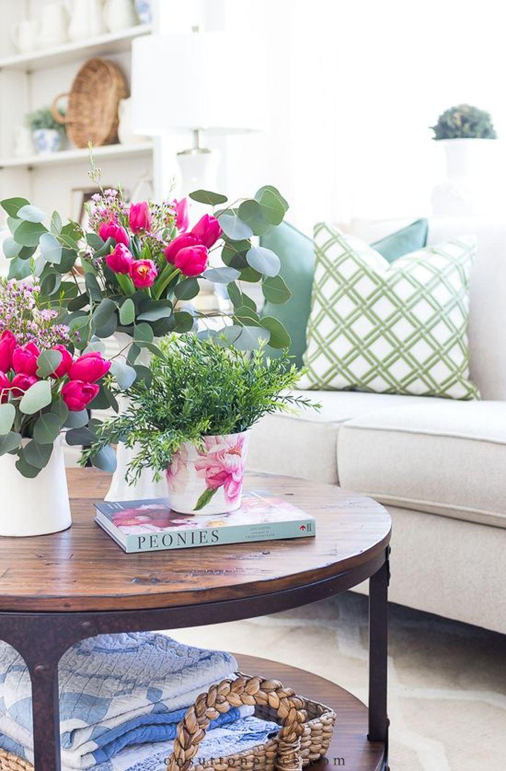 Popular Spring Living Room Decor Ideas 16