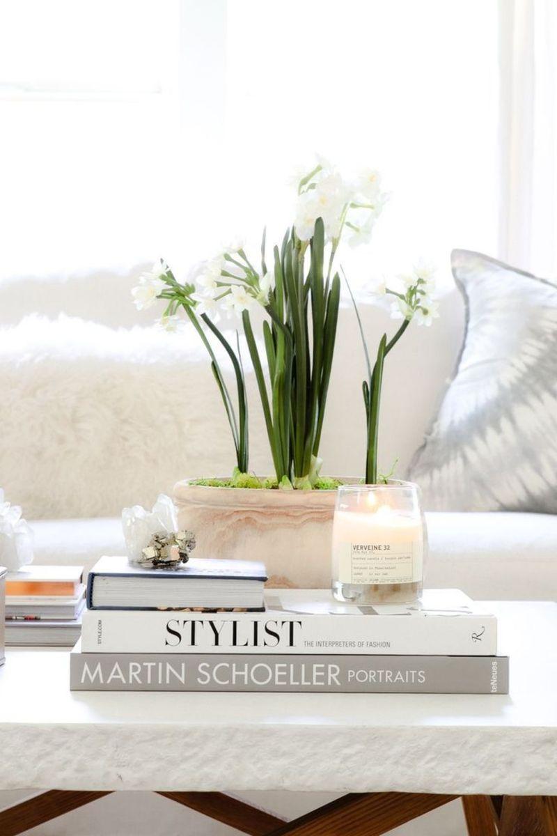 Popular Spring Living Room Decor Ideas 26