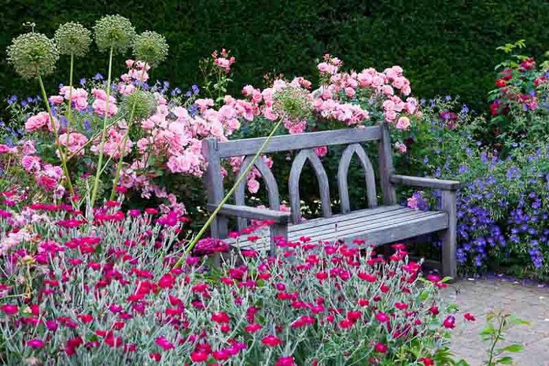 Stunning Backyard Flower Garden Ideas You Should Copy Now 14
