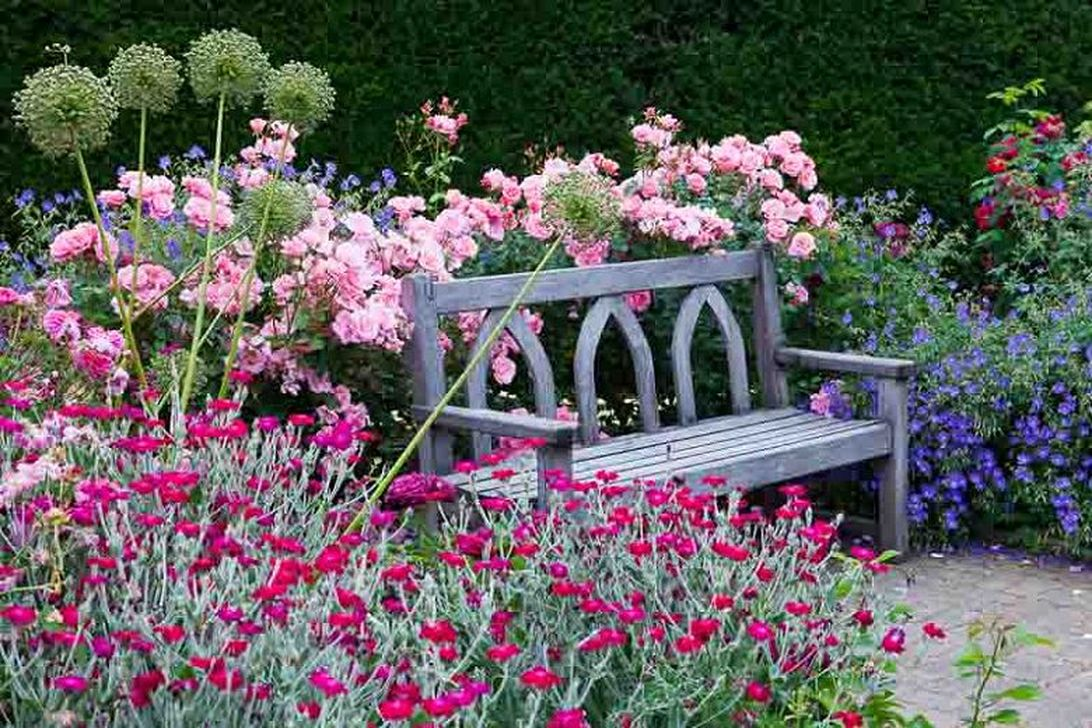 Stunning Backyard Flower Garden Ideas You Should Copy Now 14