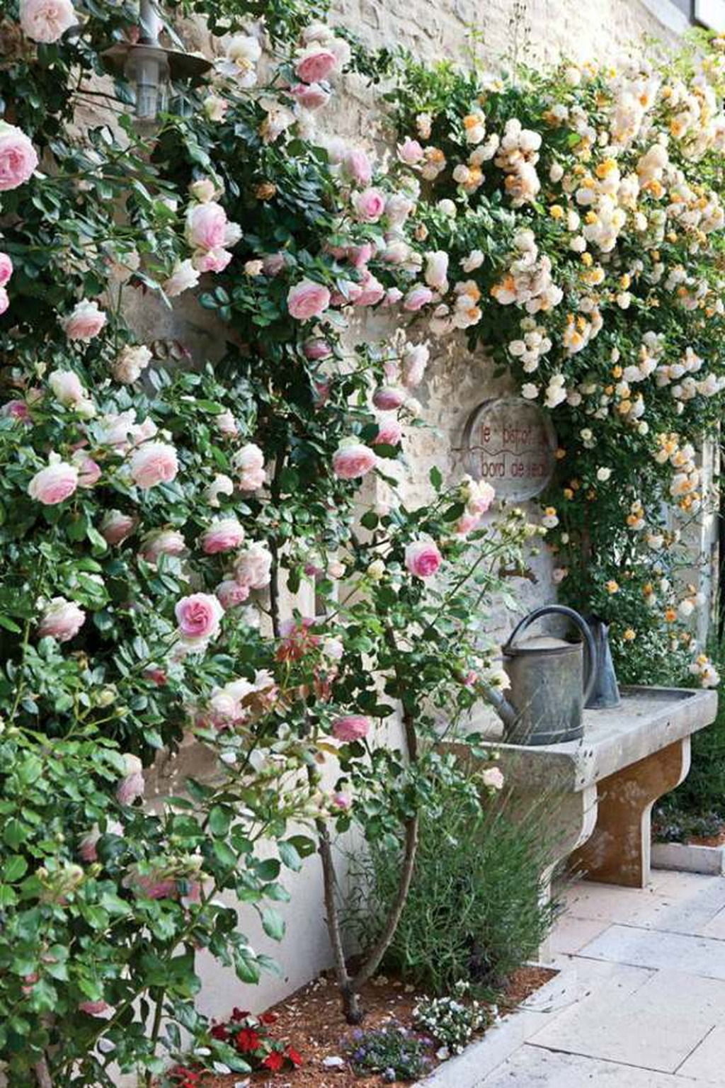 Stunning Backyard Flower Garden Ideas You Should Copy Now 21