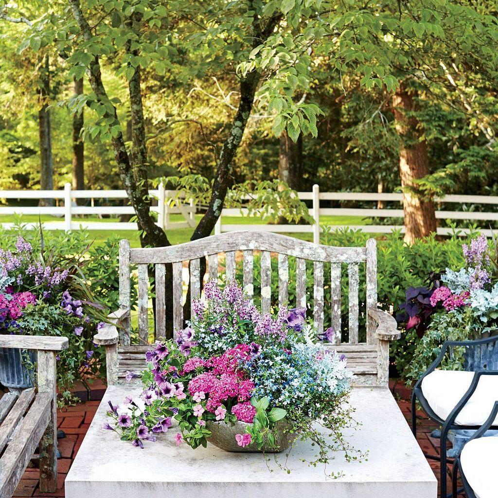 Stunning Backyard Flower Garden Ideas You Should Copy Now 37
