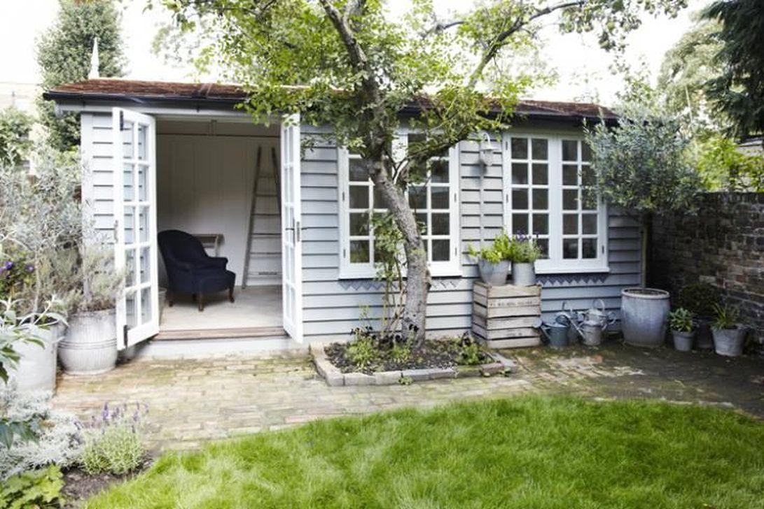 Stunning Summer House Colors Exterior Ideas 05