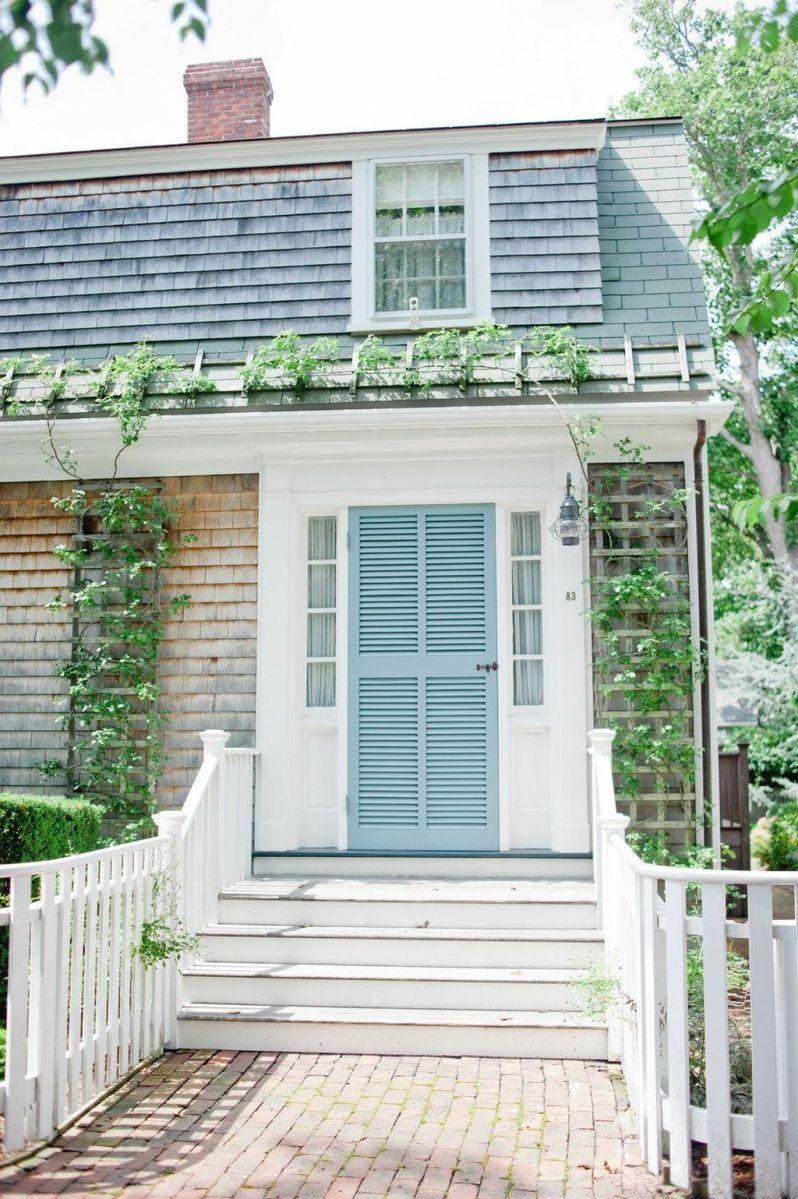 Stunning Summer House Colors Exterior Ideas 13