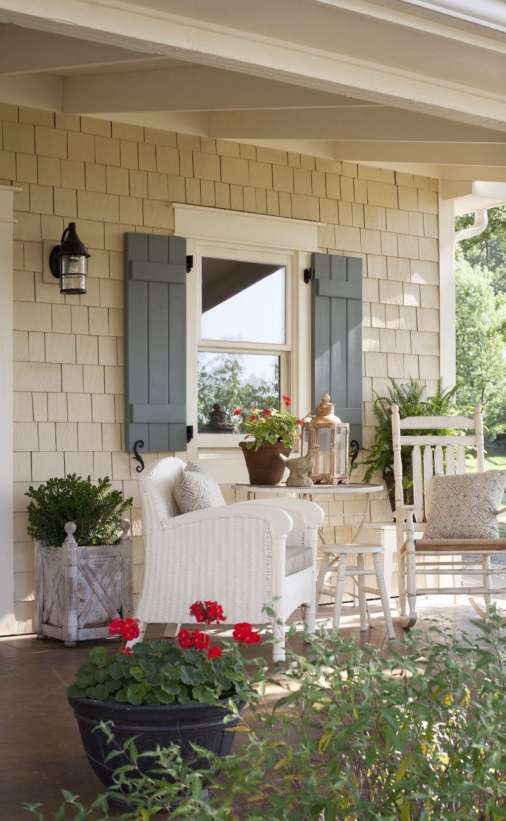 Stunning Summer House Colors Exterior Ideas 22