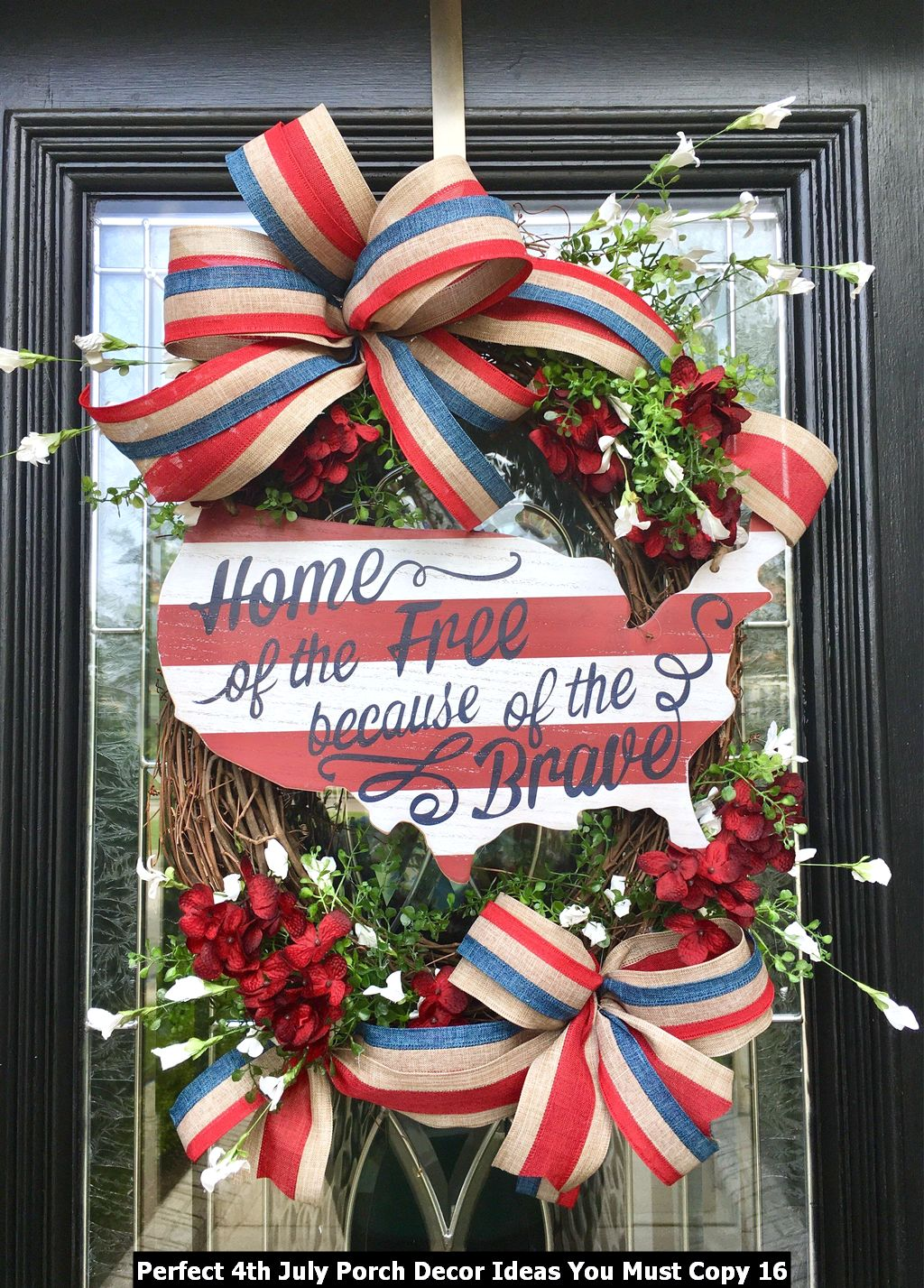 Perfect 4th July Porch Decor Ideas You Must Copy 16