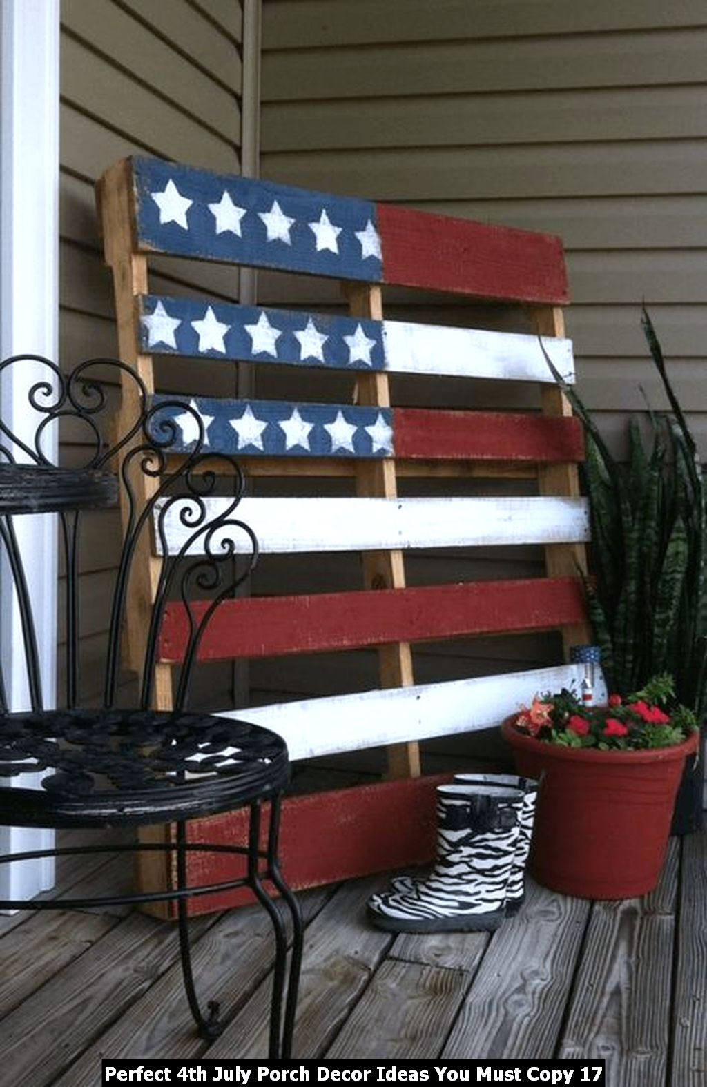 Perfect 4th July Porch Decor Ideas You Must Copy 17