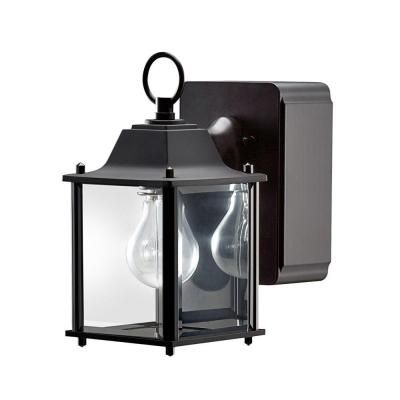 Outdoor Light With Outlet