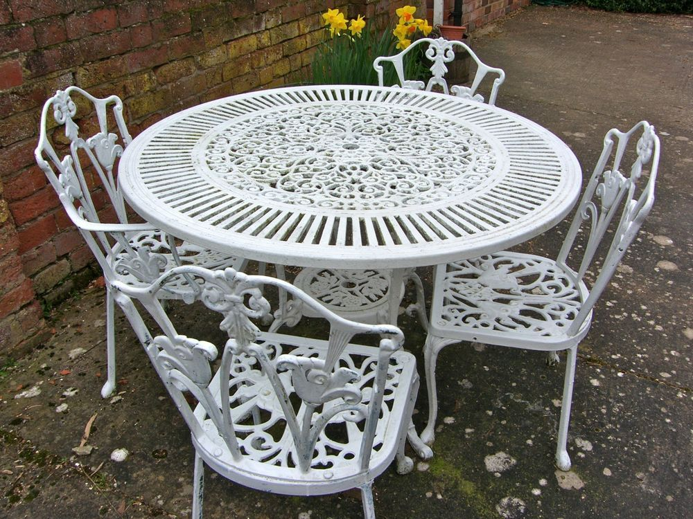 Wrought Iron Outdoor Furniture