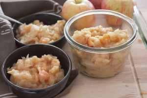 Compote de pomme à la cannelle au four