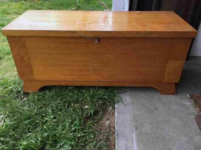 Cedar chest makeover - Before