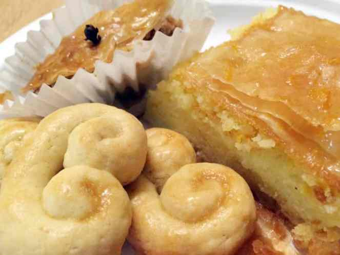 Holly took this close up of the desserts before they were all gone.