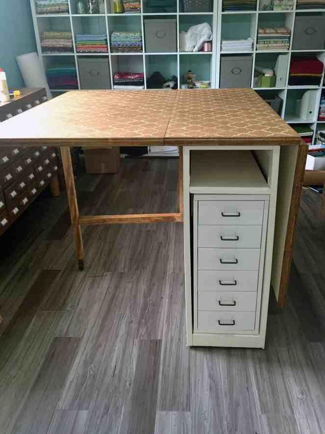 Gateleg pattern table - leaf up