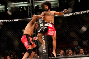 "It wasn't the high-flying arsenal of Yager that got the win, it was a ill-time mistakes from Willie Parks and a very tight guillotine choke from ""The Chosyn 1"" (Photo Credit: Will Fox / @willfox / http://swfight.com / hhtp://sherdog.com"