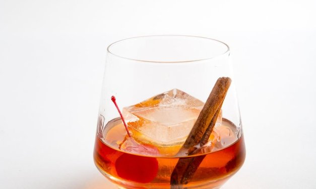 Maple Bourbon Old-Fashioned | Holiday Cocktails
