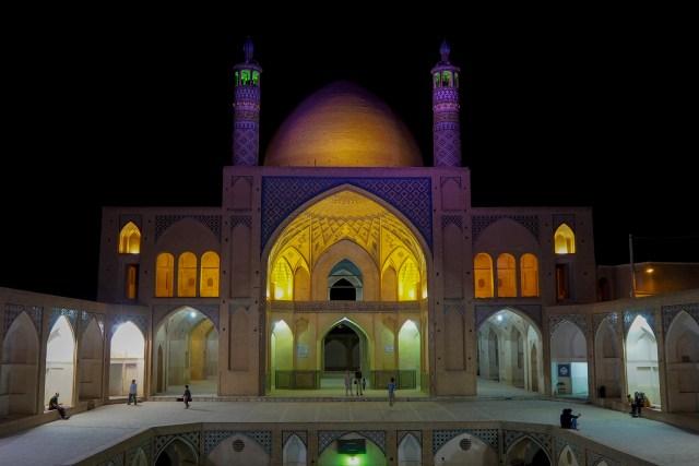 3241614 - Czy Iran da się lubić? Część I - Teheran, Qom i Kashan