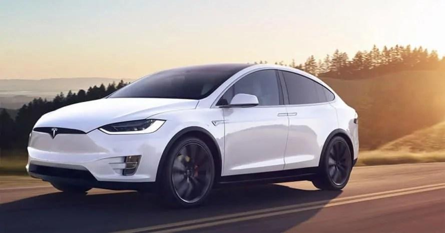 Tesla: produkcja Modelu 3 przyspieszyła