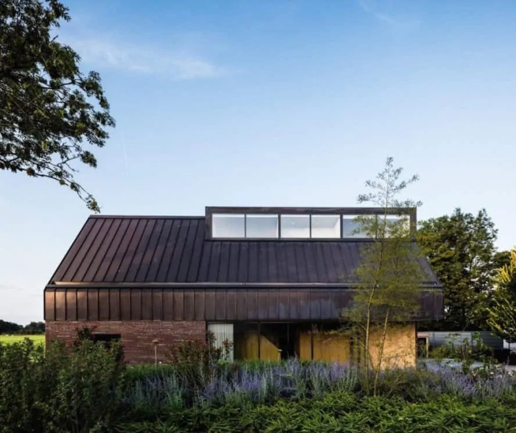 Villa IJsselzig by EVA Architecten, Villa IJsselzig by NEST architects, Villa IJsselzig, Hollandse Ijssel architecture, energy efficient Dutch architecture, Dutch modern riverside architecture