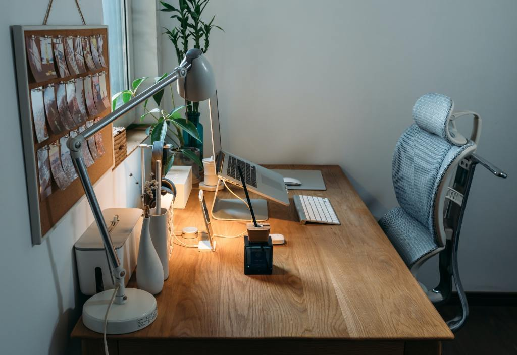 4 Ergonomic tips for working from home during COVID-19
