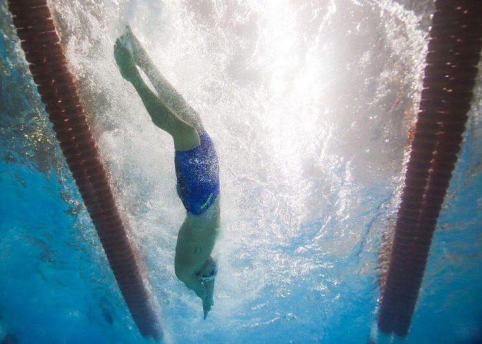 underwater-kick-side
