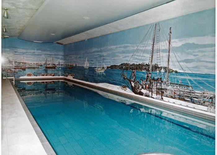 white-house-pool