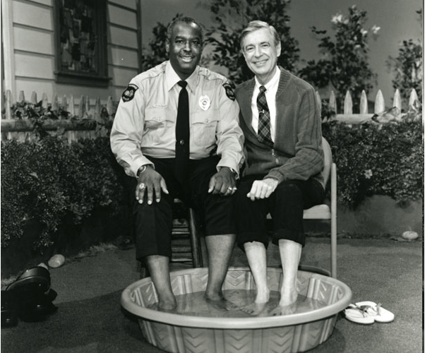Fred_Rogers_Officer_Clemmons