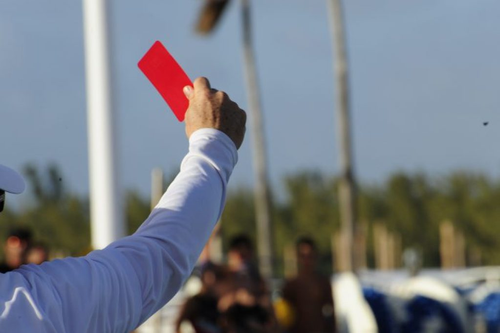 florida-referee-redcard