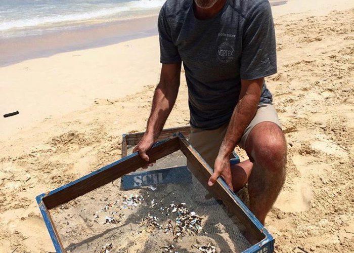 Sifting-Plastics-pollution-vortex-swim