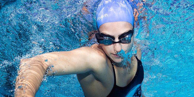 Freestyle with FORM Swimming goggle