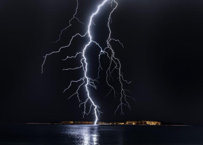 dark-flash-lightning-pexels