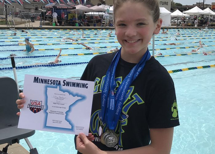 swimmer-with-medal-great-wolf-swim-club-john-thomas-minnesota