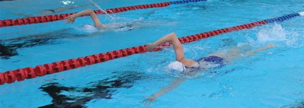 Gentofte Svømmeklub: Sponsorstævne 2010 i Kildeskovshallen