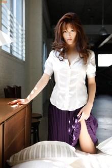 mai-hakase-white-underwear-gi-02