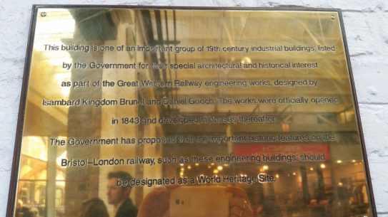 Plaque Swindon Outlet Centre