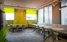 THISTLE_EXPRESS_SWINDON_dining area