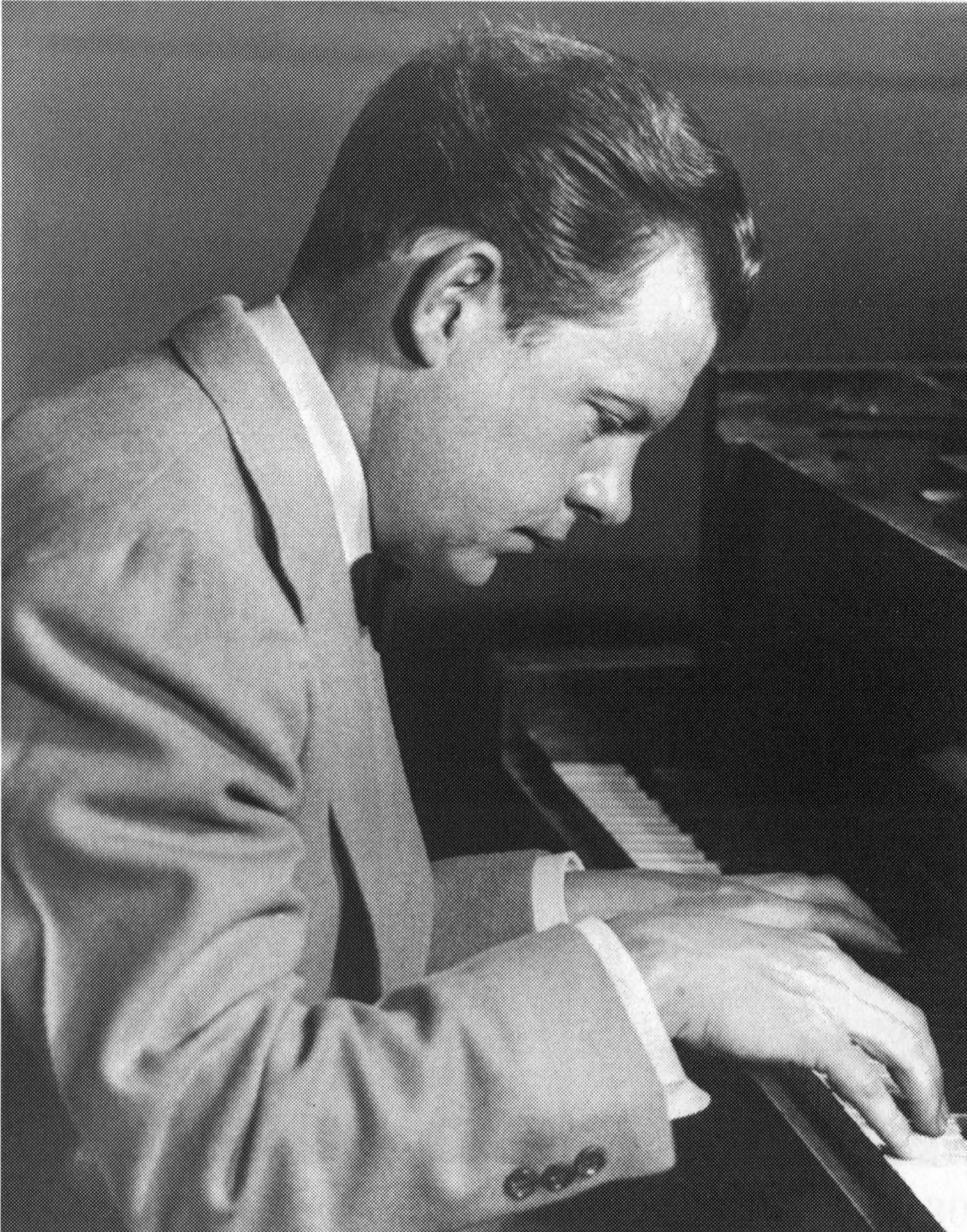Claude Thornhill - August 1940.