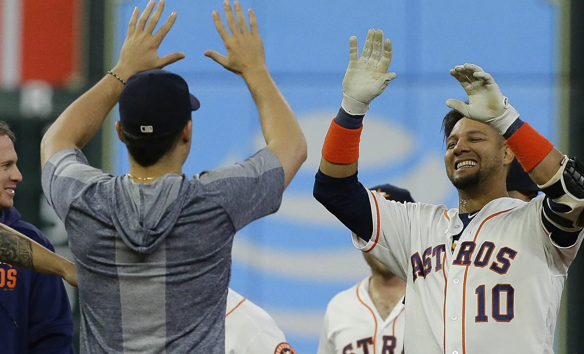 Astros saca la escoba con Mariners