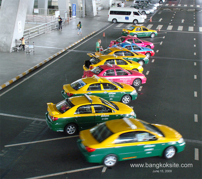 Public Taxis at Suvarnabhumi Airport / Photo: bangkoksite.com