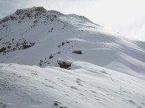 On the Chrachenhorn ridge (going further up only if you want to ski down the steep stuff)