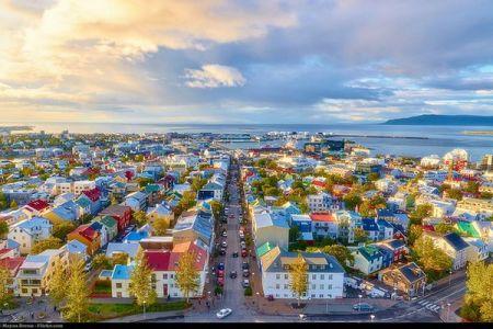 男女の賃金格差をなくすため、アイスランドで画期的な法案が提出される