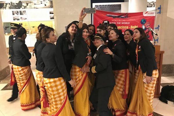 「パイロットから地上スタッフまで」インドの航空会社が女性だけで世界一周のフライトを実現