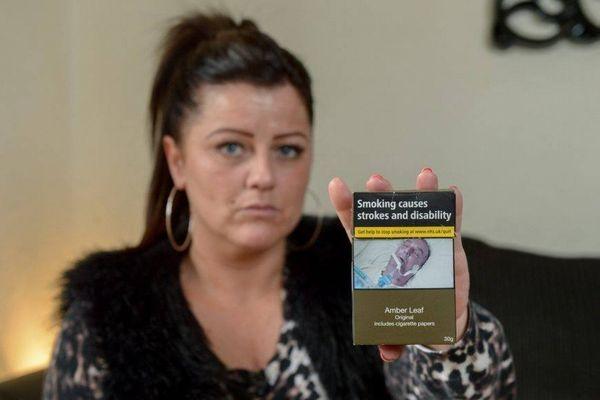 タバコのパッケージに、父親の写真を無許可で掲載された女性が怒りの訴え