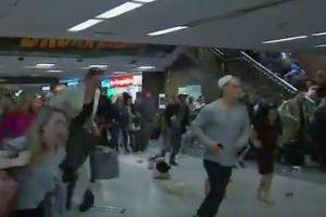 「銃声を聞いた」という噂が流れ、ラッシュアワーの駅がパニックに