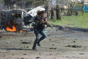 シリアの爆弾テロの現場で撮られた1枚の写真、多くの人々の胸を打つ