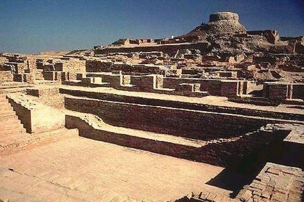 「モヘンジョダロ」の荒廃が進み、ついに考古学者らが遺跡の埋め戻しを検討